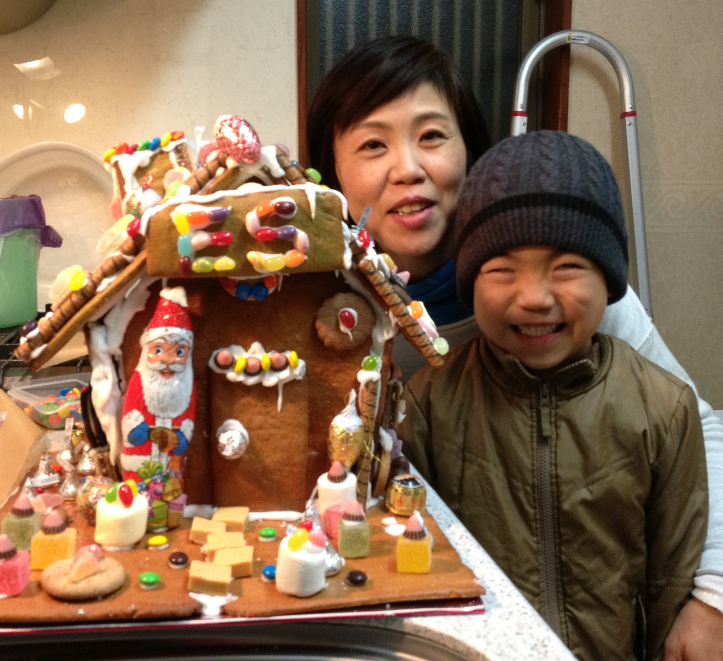 gingerbread house 003