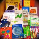 またまた絵本の寄付をいただきました(((o(*゚▽゚*)o)))  ありがとうございますm(._.)m  子どもたちは毎回のレッスン時に本を借りていきます。文字がまだ読めない年齢でも、色や形・動物の名前などで英語でコミュニケーションが取れますので、毎日本を読むことをお勧めしています。  ライブラリーを要チェックですよ?